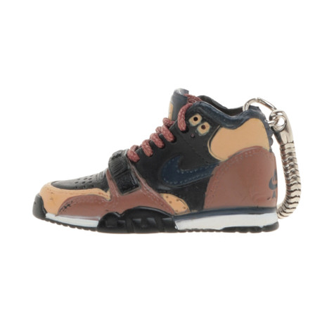 Sneaker Chain - Nike SB Air Trainer 1