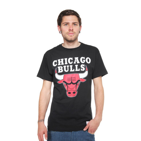 Mitchell & Ness - Chicago Bulls NBA Standard Team Logo Trad T-Shirt