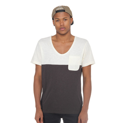 Wemoto - Chester V-Neck T-Shirt