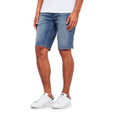 Levi's - Line 8 Slim Straight Shorts