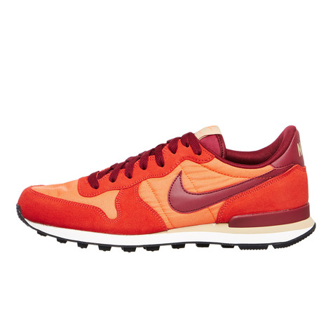 Nike - Internationalist