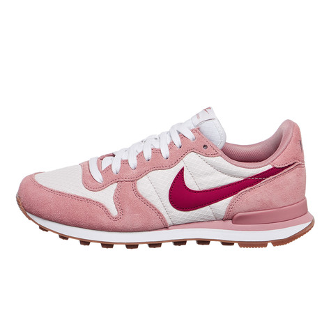 d6a6b074b798 Nike - WMNS Internationalist (Red Stardust   Noble Red   Silt Red)