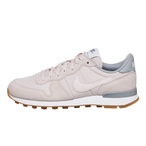 03a329453277 Nike - WMNS Internationalist (Barely Rose   Barely Rose   Wolf Grey ...