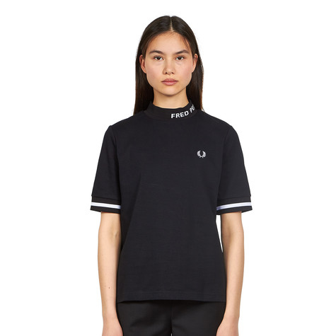 Fred Perry - High Neck Fred Perry T-Shirt