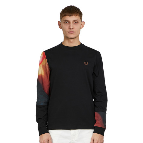 Fred Perry - Abstract Graphic Longsleeve T-Shirt