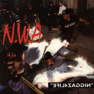 N.W.A. - Efil4zaggin / 100 Miles And Runnin'